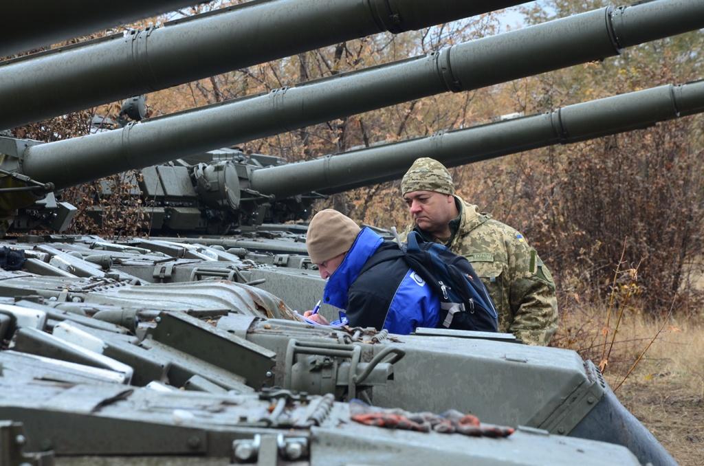 СММ ОБСЄ провели верифікацію відведених українських танків на Донеччині